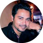 Ảnh chụp đầu của Uzair Khan